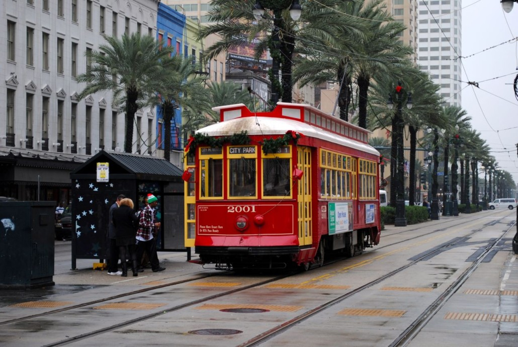 2009 photo of a New Orleans streetcar. Photo by Howchou, licensed under the Creative Commons Attribution-Share Alike 3.0 Unported license