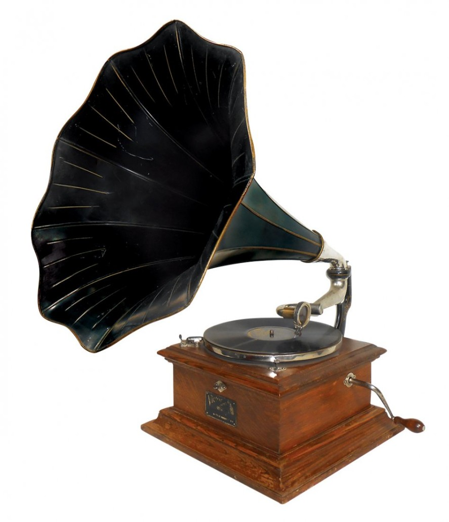 This Victor Talking Machine Co., phonograph, Victor Style VII, is offered for sale in a Nov. 6 auction. Rich Penn Auctions image