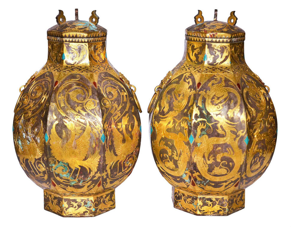 Tang Zun of gilt silver and gold inlaid with turquoise, agate and diamond chips with gold long-tailed phoenixes, a base that features dragons and lids covered with deer. Estimate: $800,000—$1,500,000. Gianguan Auctions image