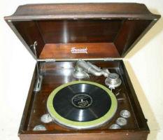 Indiana man restores voice to vintage 'talking machines'