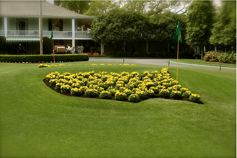 Augusta National sues to stop auction of green jackets