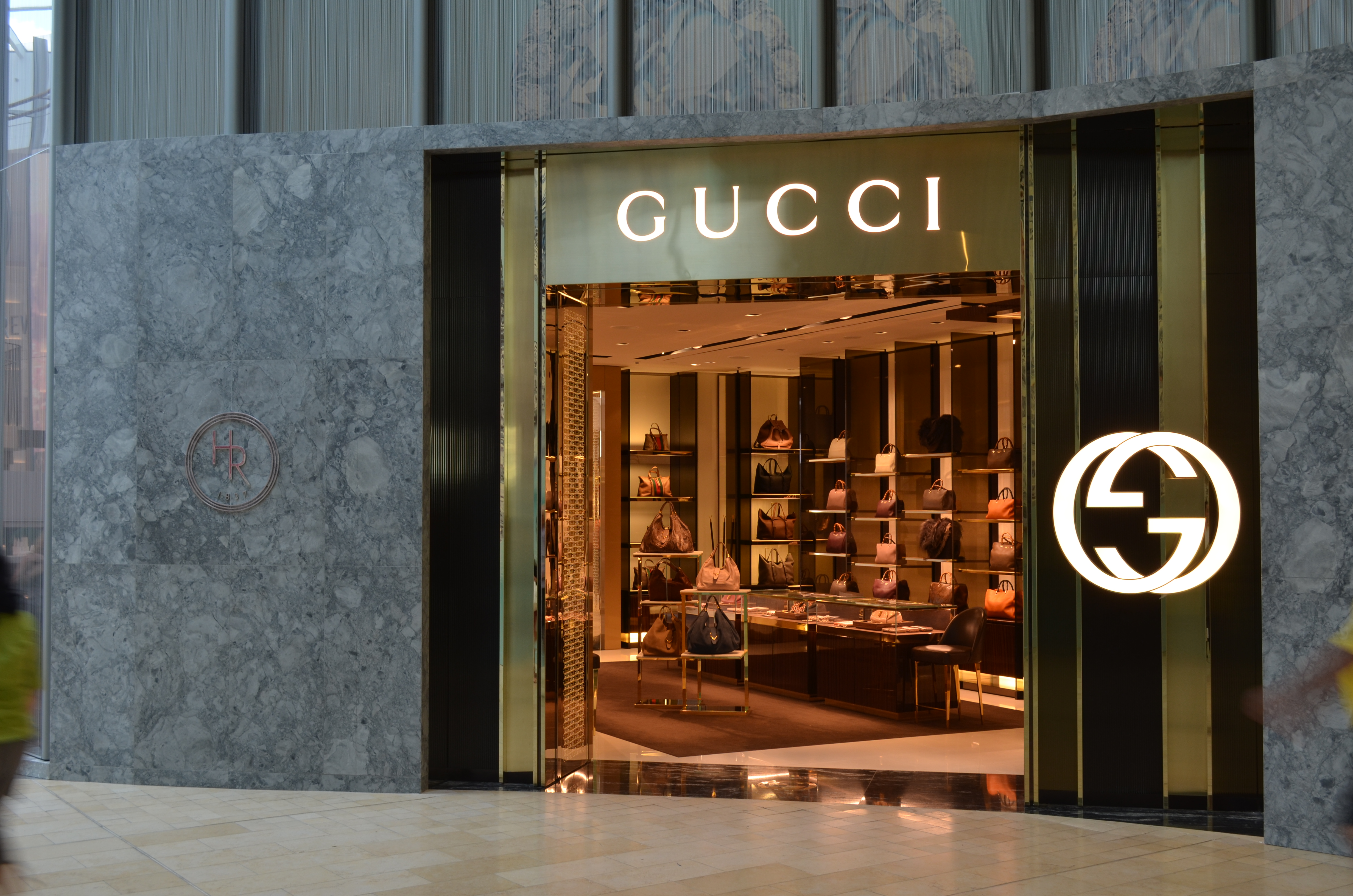 Gucci goes fur-free, will auction remaining goods for charity