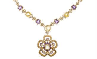 Van Cleef & Arpels necklace sells for $90,000 at Moran's