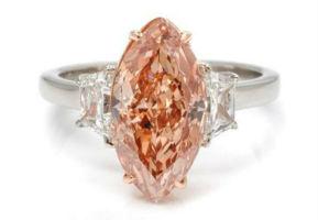 Diamond-studded sale a huge success at Leslie Hindman Auctioneers