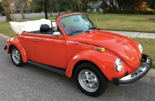 LiveAuctioneers bidder wins classic VW Beetle at RM Auctions