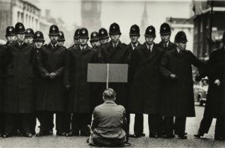 Tate Britain presents retrospective of photojournalist Don McCullin