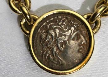 Gold necklaces bring $20,000 at Kensington Estate Auctions