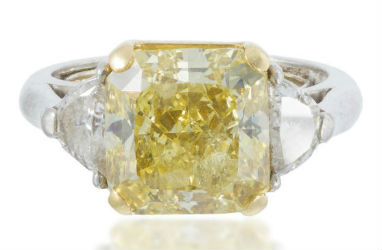 Fancy yellow diamonds stand out in Moran's May 21 jewelry sale