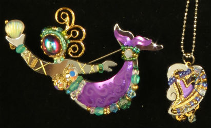 Over & Above Online Auctions toasts costume jewelry June 22