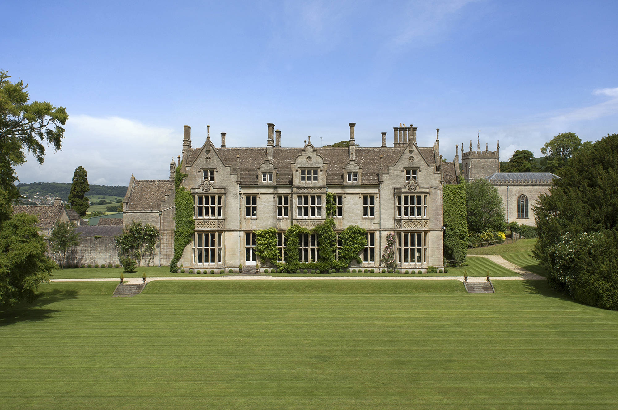 Luxurious contents of England's Alderley House to be auctioned July 23