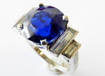 Kashmir sapphire ring caps Litchfield jewelry auction at $377K