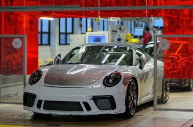 Last Porsche 911 to be auctioned for COVID-19 relief