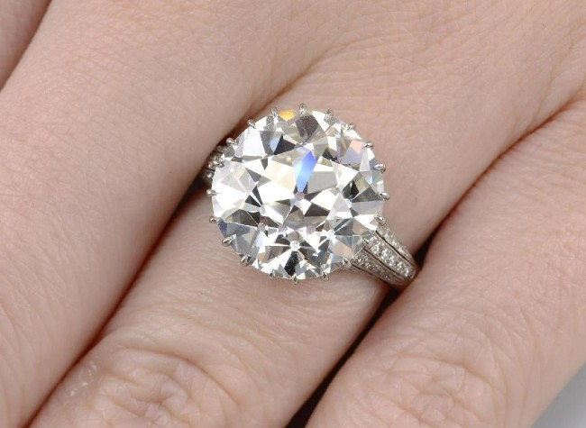 Huge diamonds highlight