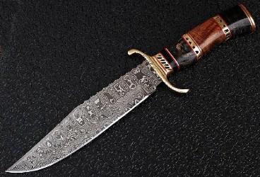 Damascus steel knives comprise Jasper52 auction Aug. 26