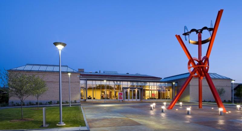 Currier Museum closes