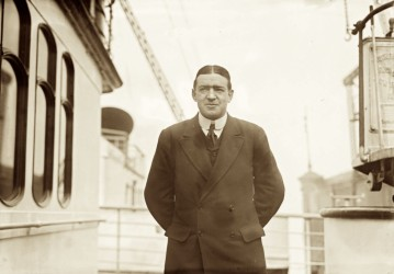 Shackleton expedition artifacts to remain in UK
