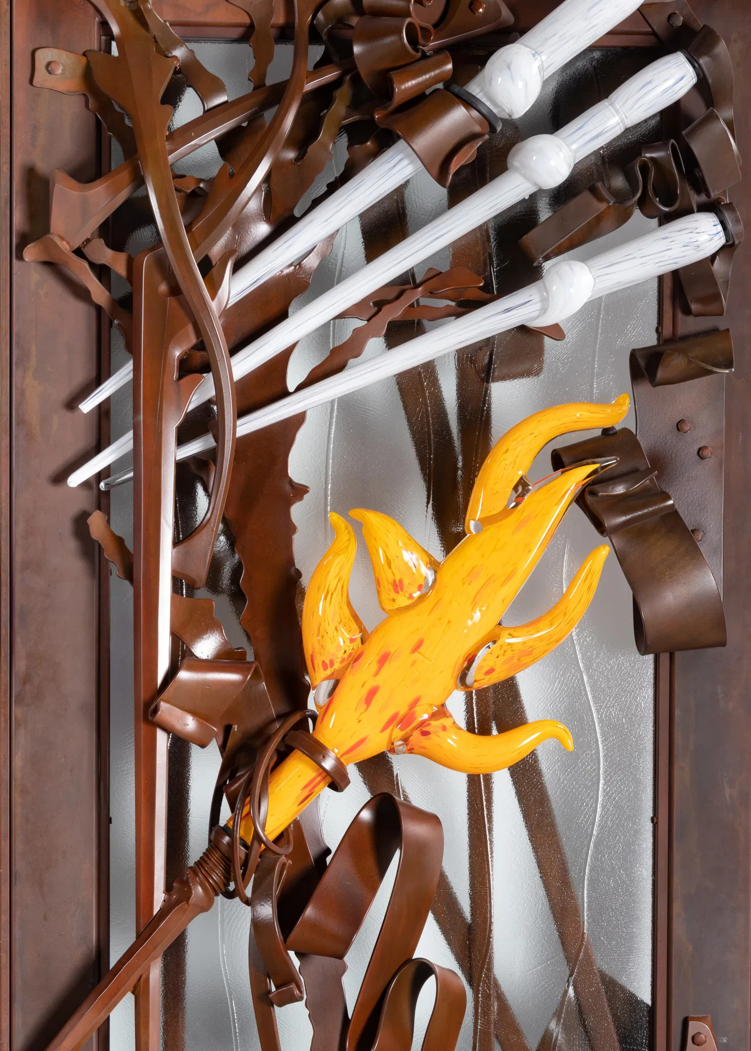 Detail image of entrance doors by Albert Paley, glass elements by Martin Blank, 2004. Image courtesy Hindman