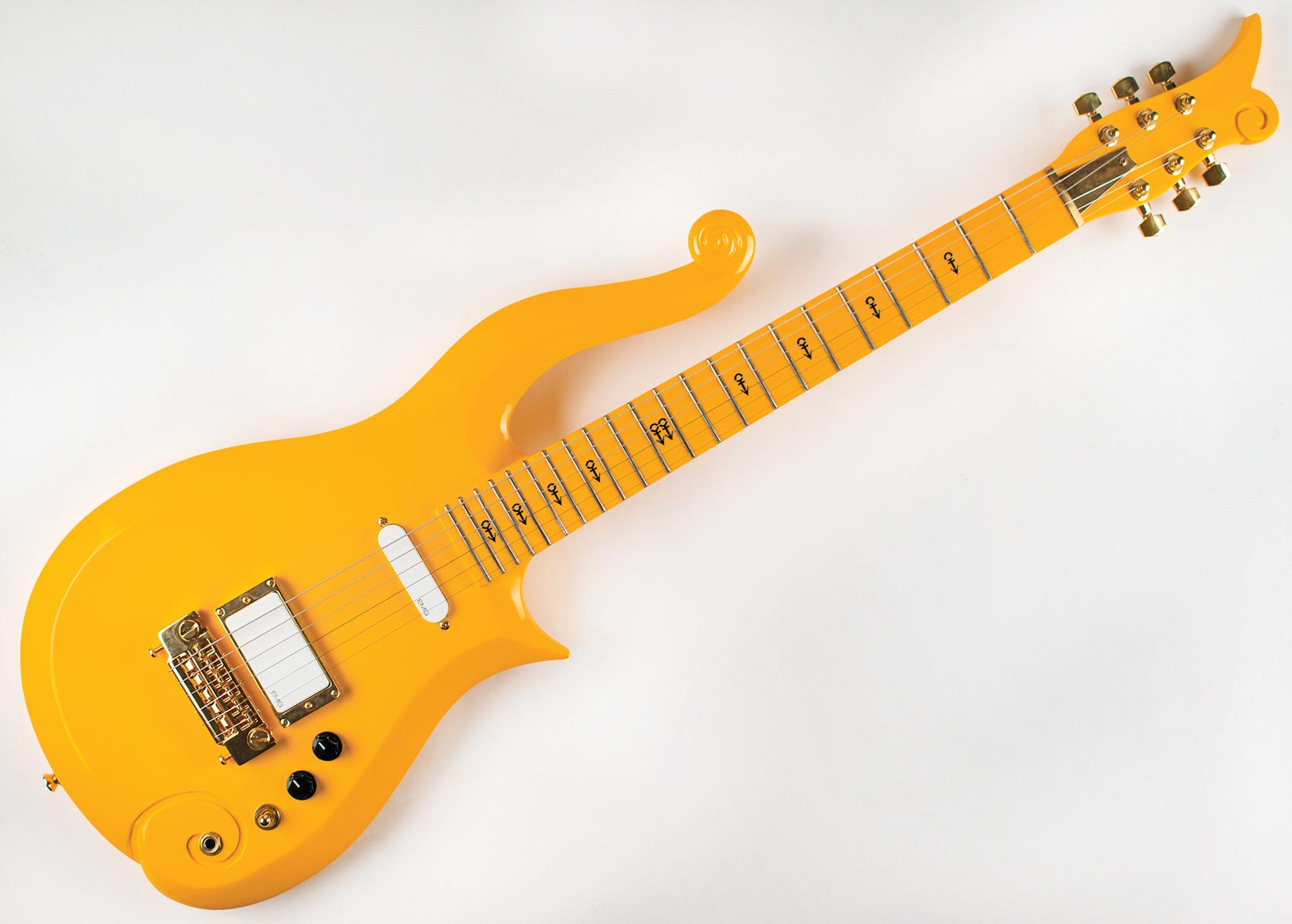Prince's 'Cloud' guitar sells for nearly $133K at RR Auction