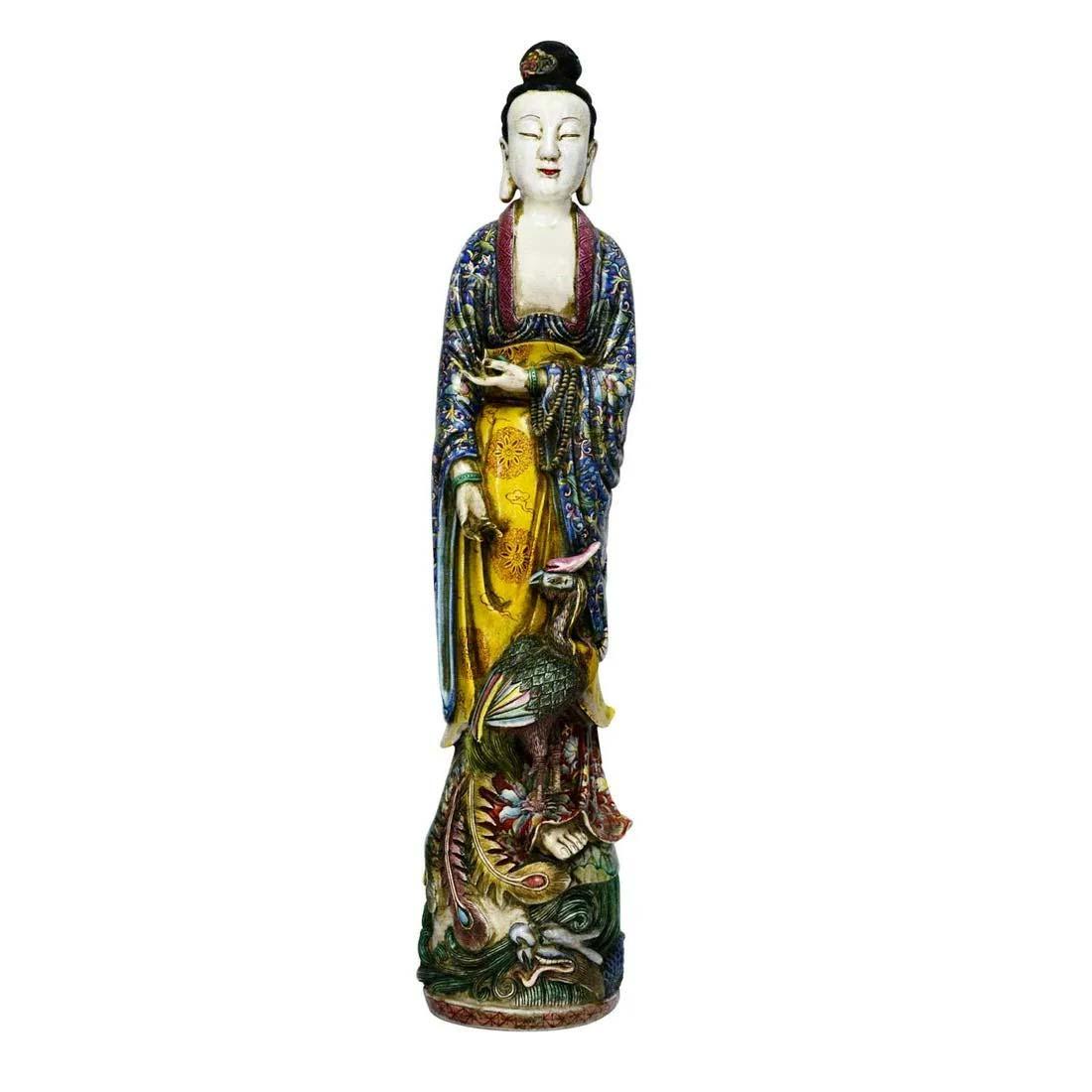 Jingdezhen Kiln famille-rose Guanyin, Qing Dynasty, $5,000-$6,000. Image courtesy Gianguan Auctions