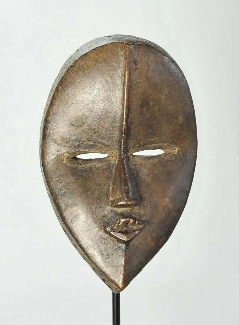 Dan mask, Ivory Coast, $3,000-$3,500. Image courtesy Jasper 52