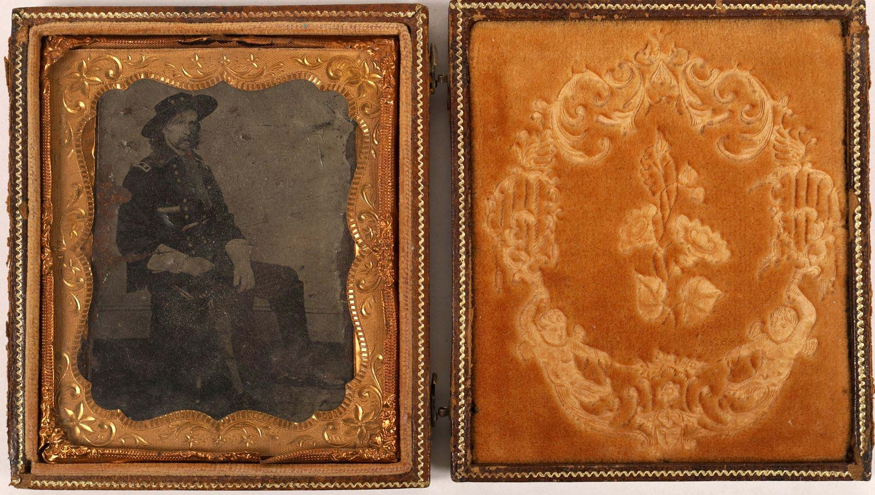 Gallery Report: 1865 Custer tintype nets $5,750 at Holabird sale
