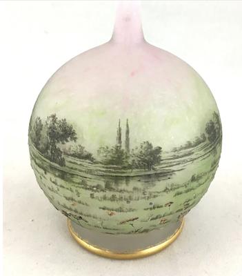 The Hot Bid: Daum glass vase in Prairie pattern could make $18K