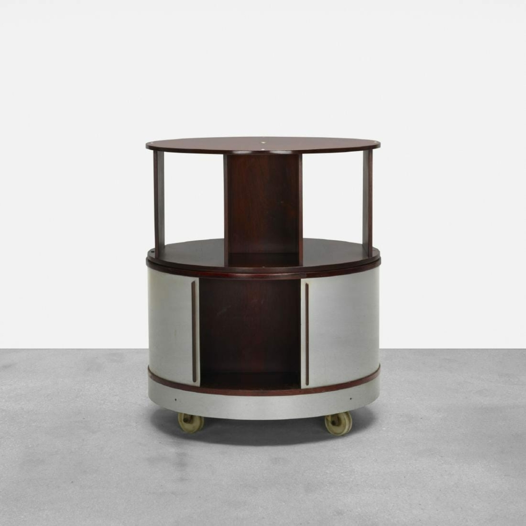In October 2018, a Combi-Center bar realized $5,000 plus the buyer's premium at Wright.