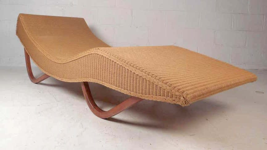 A Lloyd Loom wicker-style chaise longue fetched $900 plus the buyer's premium in August 2020 at Horseman Antiques.