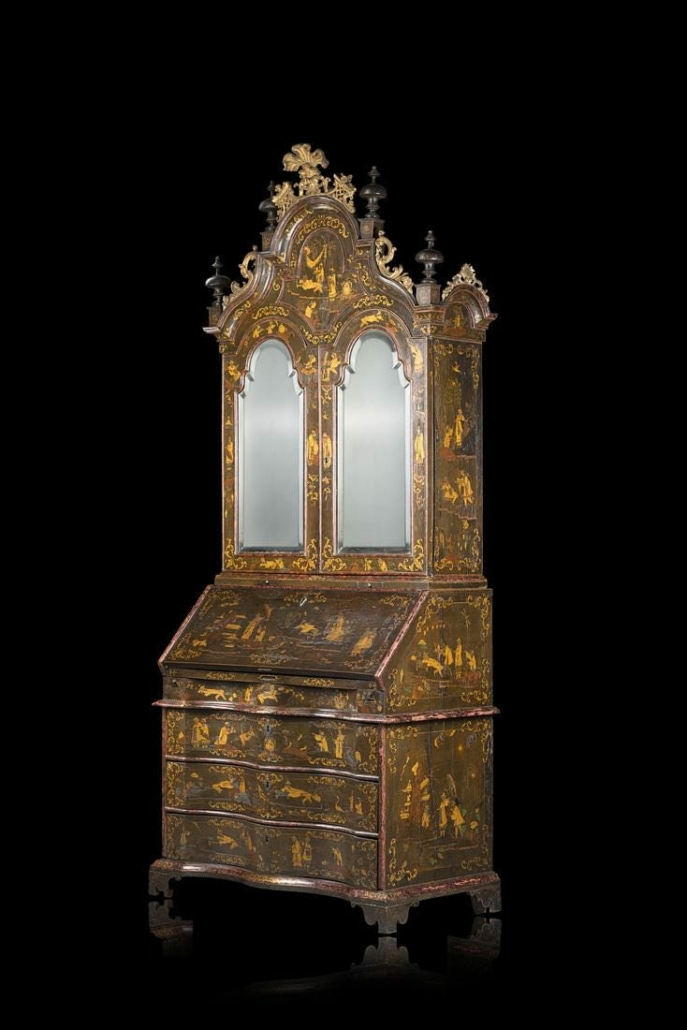 A chinoiserie and faux tortoiseshell lacquered bureau-cabinet earned $36,657 plus the buyer's premium in October 2018 at Il Ponte casa d'aste.