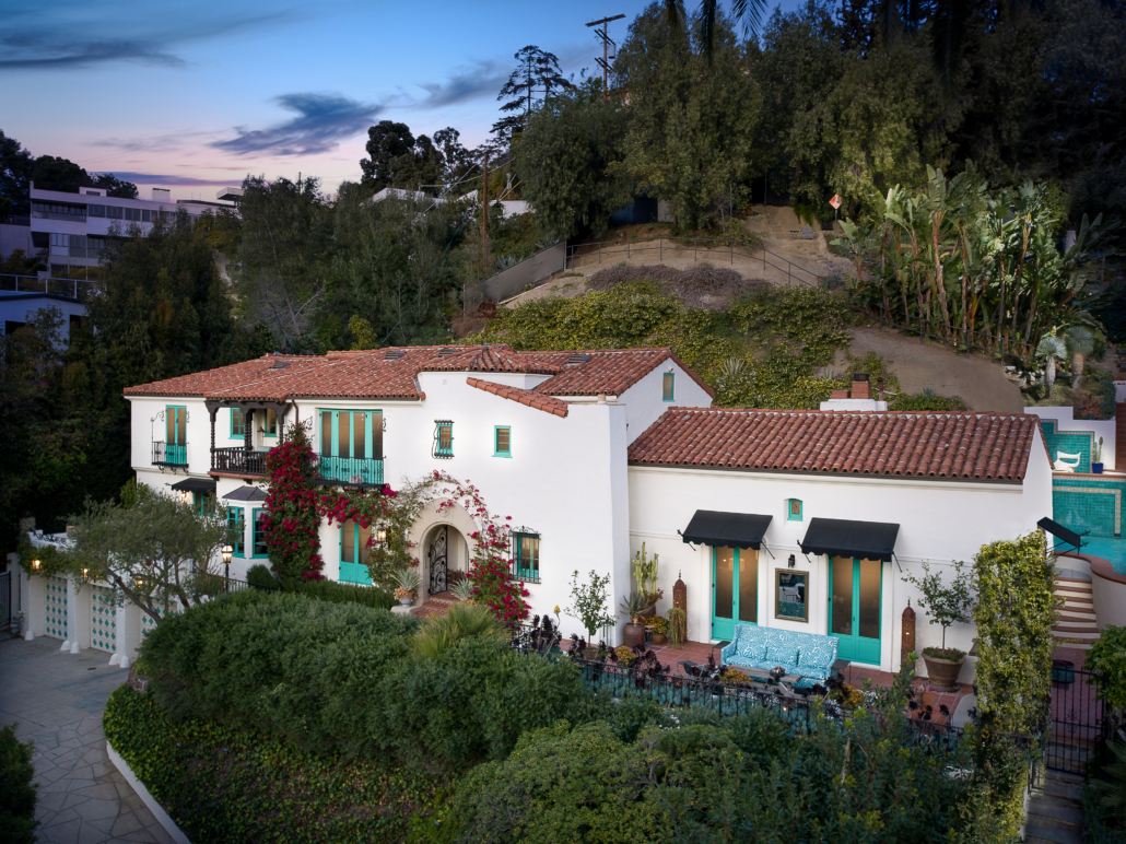 Exterior shot of the 5,000-sq-ft Los Angeles home Leonardo DiCaprio purchased for $7.1 million and gave to his mother. Photo credit: Todd Goodman. Courtesy of TopTenRealEstateDeals.com
