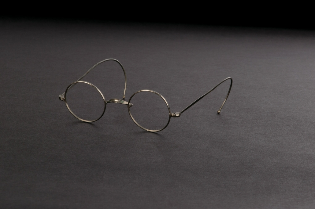 Groucho Marx signature character wire rim eyeglasses, estimated at $1,000-$1,000,000