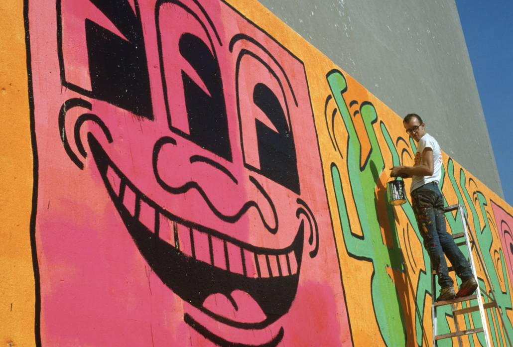 Keith Haring at work in 1982. Photograph ©1982 Allan Tannenbaum