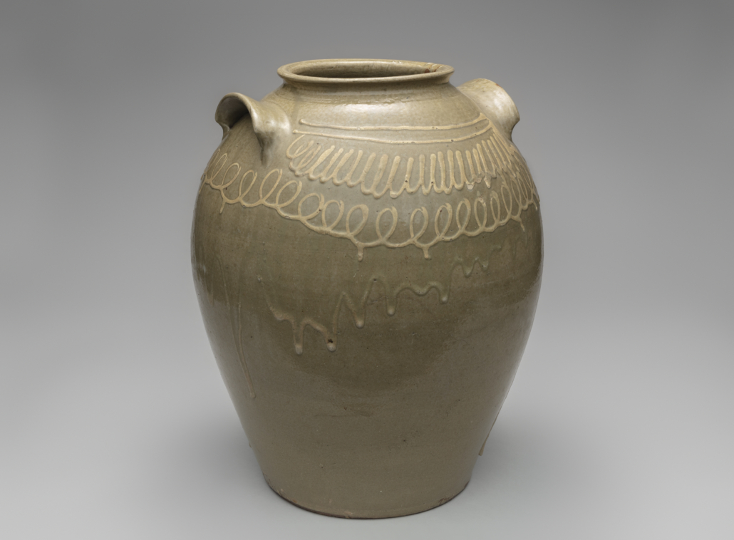 Circa-1850 storage jar by Thomas Chandler, from the collection of Kenneth Fechtner. Courtesy of SFO Museum