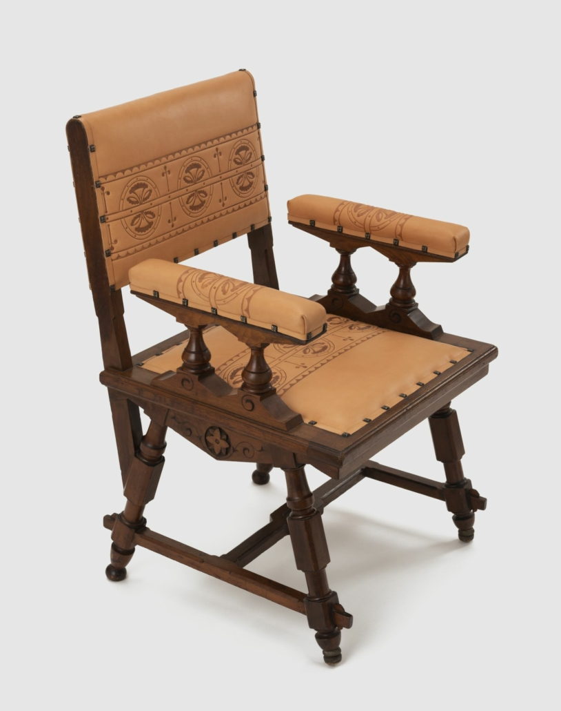 Kimbel and Cabus (New York, 1863–82). Armchair, circa 1875. American black walnut, leather, 35 5/8 × 23 × 23 3/4 in. (90.5 × 58.4 × 60.3 cm). Collection of Andrew VanStyn. (Photo: Mitro Hood)