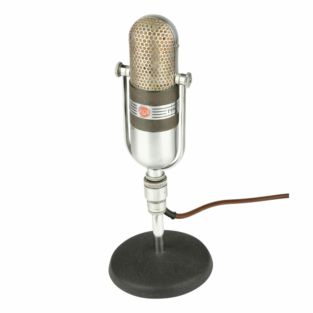 """1950s American RCA Type 77 DX ribbon microphone in the """"pill"""" design, est. CA$2,000-$3,000"""