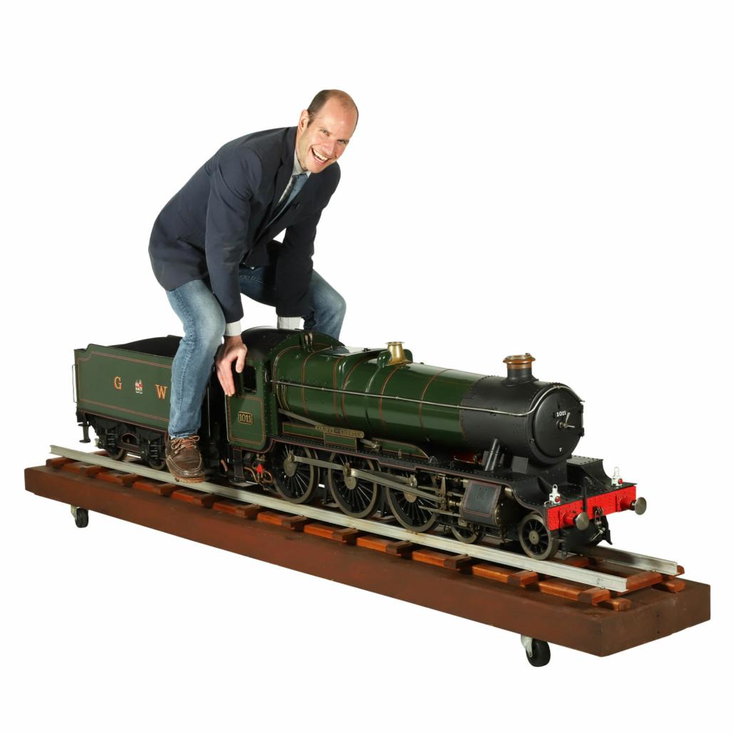 Finely engineered steam locomotive, est. CA$15,000-$20,000