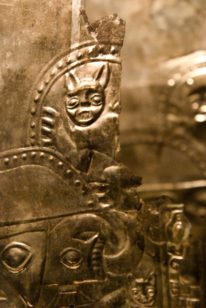 Detail show of gold decoration from Huaca de La Luna (the Temple of the Moon). Photo courtesy of World Heritage Exhibitions