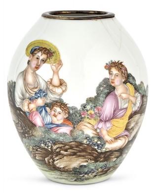 Falangcai-decorated Chinese vase leads Doyle Sept. 20 sale