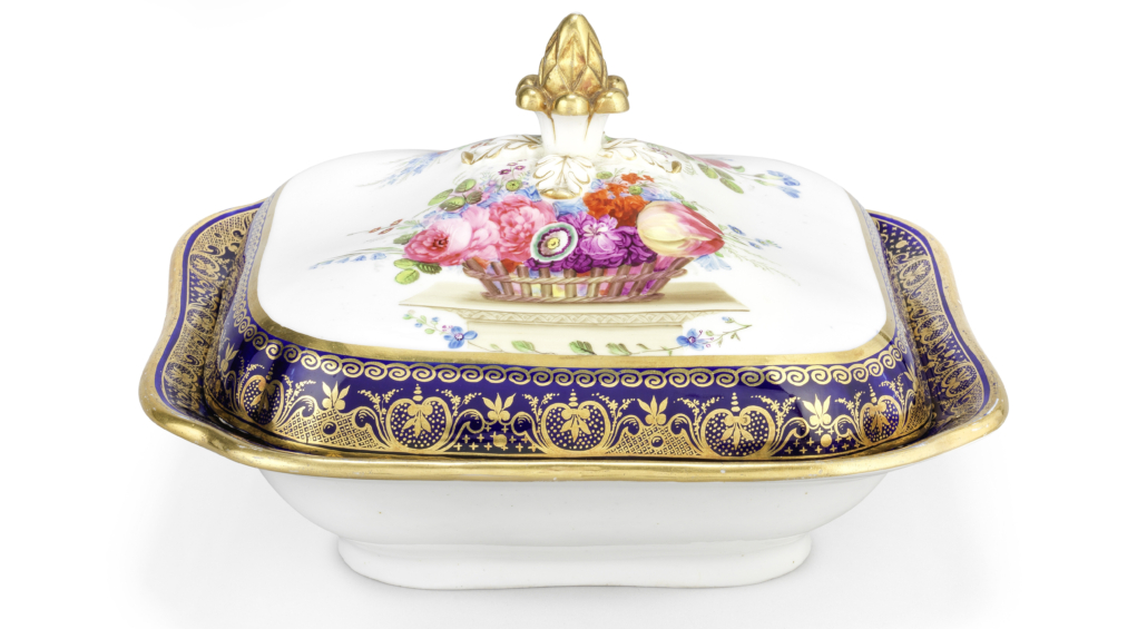 Swansea tureen and cover from the Lysaght Service, est. £7,000-£10,000. Image courtesy of Bonhams
