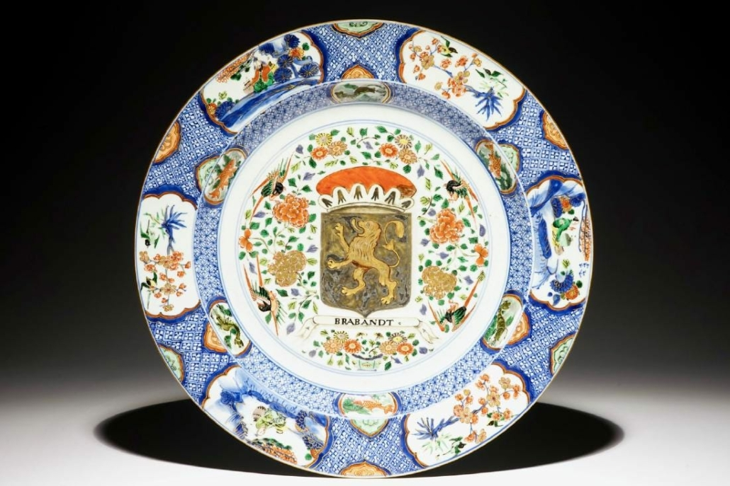 A large Chinese verte-imari armorial Provinces dish achieved $26,091 in June 2017 at Rob Michiels Auctions. Image courtesy of Rob Michiels Auctions and LiveAuctioneers.