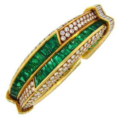 Harry Winston & more shine in Designer and Signed Jewelry auction Oct. 13